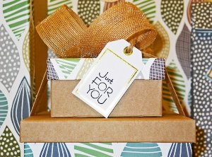 How to Make a DIY Beauty Box as a Gift